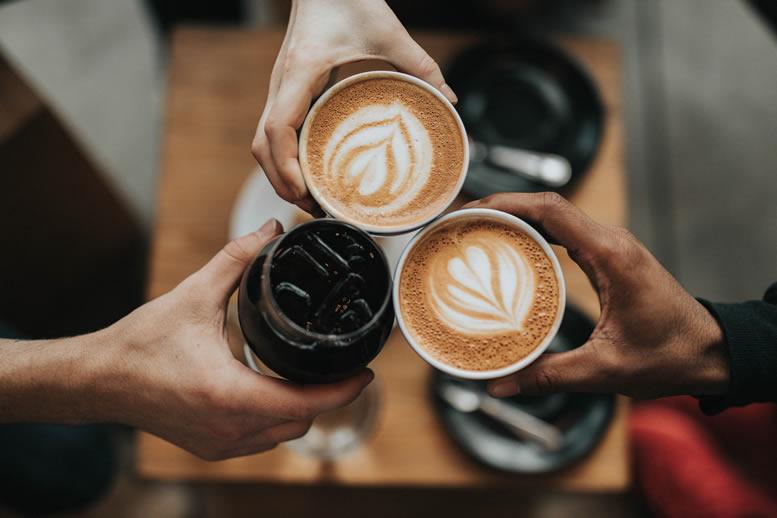 UM OLHAR SOBRE O CAFÉ